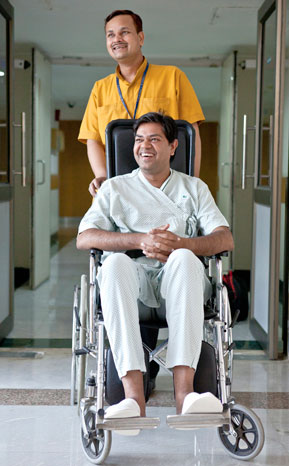 Joint Replacement Surgery in Indraprastha Apollo Hospitals Delhi, India